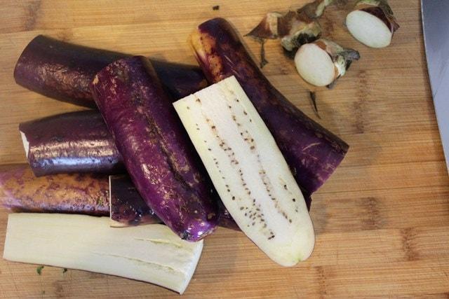 Halve eggplant
