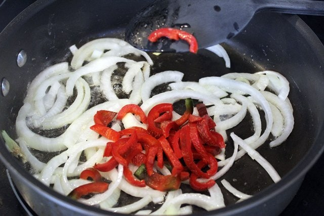 Add pepper to onion