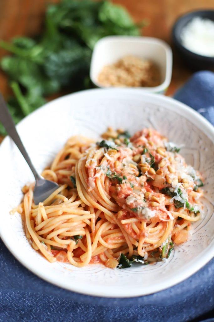 Easy spaghetti with tomato cream sauce recipe.